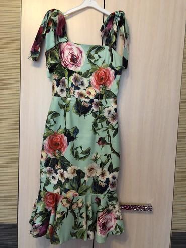 вечернее платье до колен в Кыргызстан: Платье под Dolce & Gabbanna размер S-M состояние отличное одевали