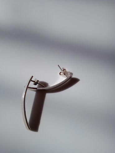 Личные вещи - Чон-Арык: Очень срочно продаю серёжку серебро 925. Оно очень классно смотрится
