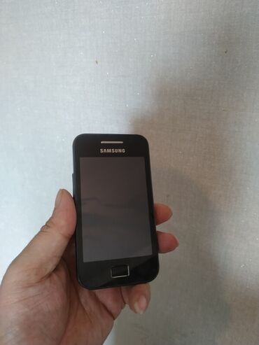 samsung e330n - Azərbaycan: Salam.samsung s5830 modeli.bir nomre ve microkart destekliyir.Sensor