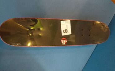 Skateboard-orjinaldı,80kq-a qədər çəki götürür.Peşəkar məşğul olanlar