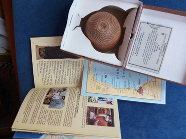 Suvenir sa Ohrida i knjiga na engleskom o Ohridu - Nis