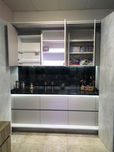 шкаф кухню в Кыргызстан: Кухонный шкаф-купе. Отличное решение для кухни-студии с небольшой