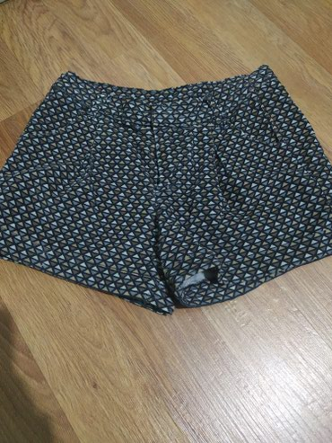 Продаю новые шорты . мелкий велюр. в Бишкек