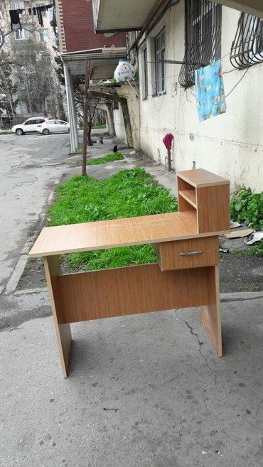 Bakı şəhərində salon ucun masa istenilan rengda esasen lak stolu kimi