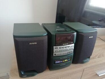 Muzička linija Aiwa CX L500EZ. Linija ima radio FM, CD (neispravan)