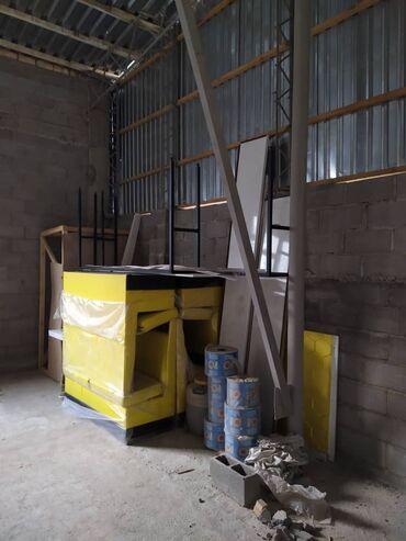 контейнер 40 тонн в Кыргызстан: Мягкая мебель для кафе и пиццарии. Диваны, кассовый стол, стол, 2шт