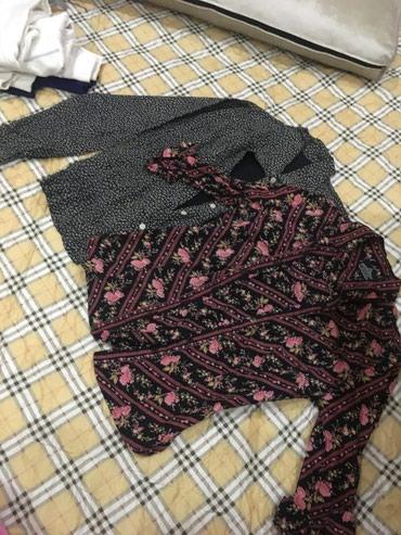 Две женские рубашки. 40-42 размера. Отдам в Бишкек
