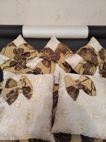 357 объявлений: Диванные подушки, р-р наполнитель синтепон, находятся в Сокулуке