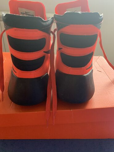 Nike cizme patike, velicina 10, malo nosene