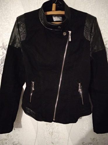 Bakı şəhərində Куртка женская-цвет черный, куплена в