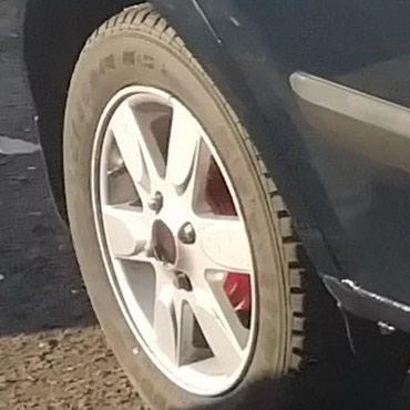 R14. 175.65 зимние шины с дисками срочно продам почти новый в Ош