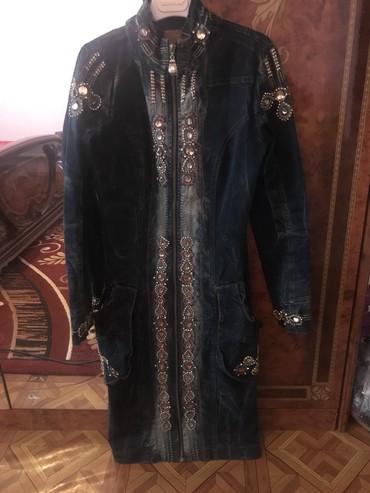 Верхняя одежда в Сокулук: Джинсовый пиджак длинный размер 36. 1000сом