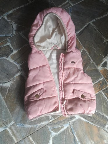 Dečije jakne i kaputi | Bujanovac: Prsluk,kvalitetan i topao.vel74 ali moze dugo da se nosi. Mi smo