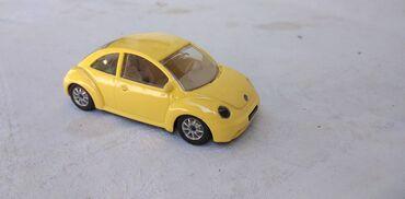Carlo colucci - Srbija: Burago VW Buba sa gumama na tockovima, kao nov