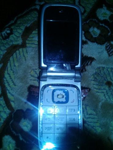 Nokia Sumqayıtda: Nokia 6131 telfon işdək dir bidənə korpusa eytiyaci var birdə baterika