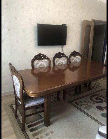 стол и стулья для гостиной в Кыргызстан: Продаю стол со стульями (10 стульев ) трёх метровый в хорошем