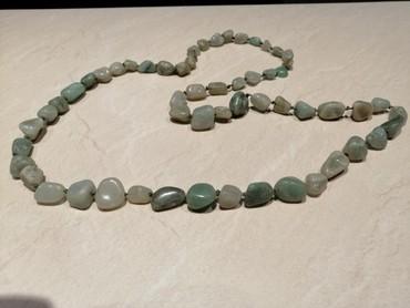 Κολιέ με πέτρες σε πράσινες αποχρώσεις. Άριστο