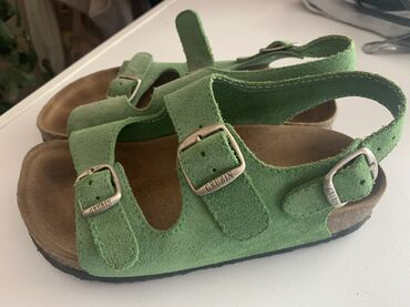 Za decu | Backa Palanka: Grubin,kozne 33brObuvene bukvalno 2-3 puta,lepa zelena boja,pogodna za