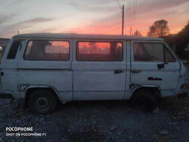 Volkswagen Transporter 2 л. 1988   222222 км