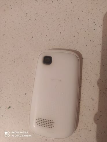 Samsung - Qobu: Salam tecili satilir samsung telfonu hec bir prablemi yoxdu sadece
