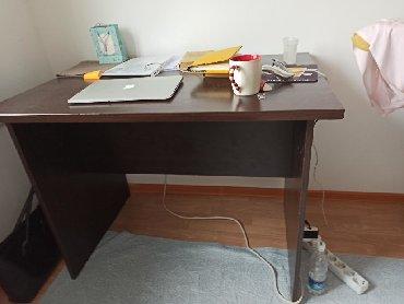 столы на переднем плане в Кыргызстан: Письменный стол, рабочий стол, стол для занятий, парта, школьный стол