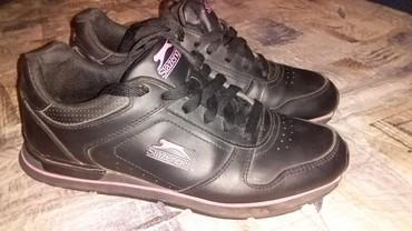 Ženska patike i atletske cipele - Obrenovac: Extra patike original