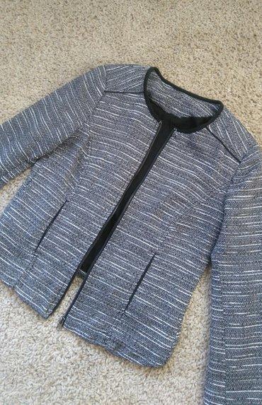 Tweed blejzer   sa secenom kragnom prosaranog izgleda u crnoj, beloj i - Novi Sad