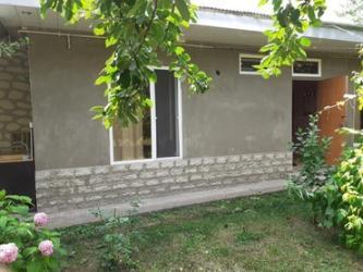 qaxda ev alqi satqisi - Azərbaycan: Qax rayonu ilisu kendinde 3 otaqli ev kiraye verilir
