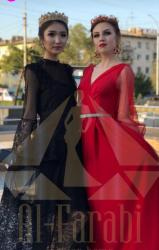 вечернее платье в пол синего цвета в Кыргызстан: Продаю вечернее шикарное платье. Абсолютно новое! С этикеткой! Как на