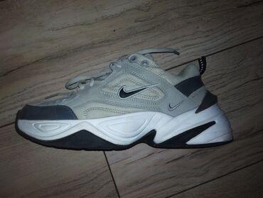 butsy firmennye nike в Кыргызстан: Срочно продаю кроссы Nike m2 Tekno в идеальном