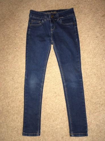 Primark мягкие джинсы на девочку, состояние отличное, размер: 8-9 лет
