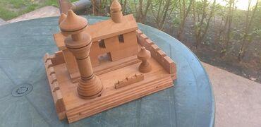 Kuća i bašta - Becej: Dvorac od drveta umetnički rad