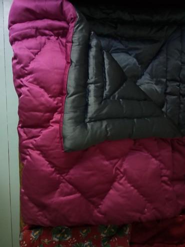 раскрой одеяла в Кыргызстан: Одеяло малиновый цвет с другой стороны синий цвет. Одеяло толстое