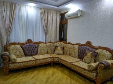 Bakı şəhərində Uqlovoy divan kreslo ile+ jurnal stolu birge satilir 2.80/ 2.80 metre
