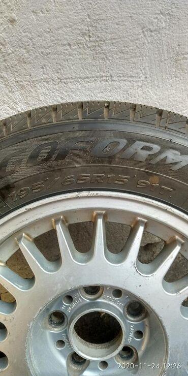 шины 195 65 r15 зима в Кыргызстан: Продам зимнюю резину с дисками 4 колеса в хорошем состоянии, диски не