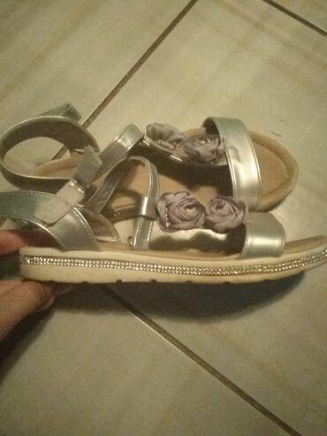 Personalni proizvodi - Kovin: Prelepe sandalice br 36 bez oštećenja,dete par puta nosilo,saljem jos