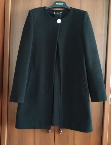 куплю пальто в Кыргызстан: Деми пальто  Турция  46 размер