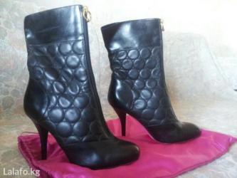 Продам Итальянские кожаные фирменные сапожки 37размер  деми,одевала од в Бишкек