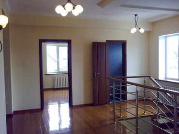 Сдам в аренду Дома Долгосрочно: 330 кв. м, 9 комнат