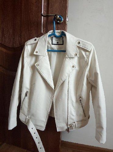 стирающая кожаная куртка в Кыргызстан: Кожаная куртка магазин Terranova.  Не подошла по размеру. Вешалка в п
