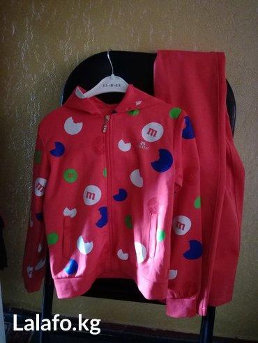 Спортивный костюм. отличное качество,для девочки 6_8 лет цвет арбуз... в Бишкек - фото 2