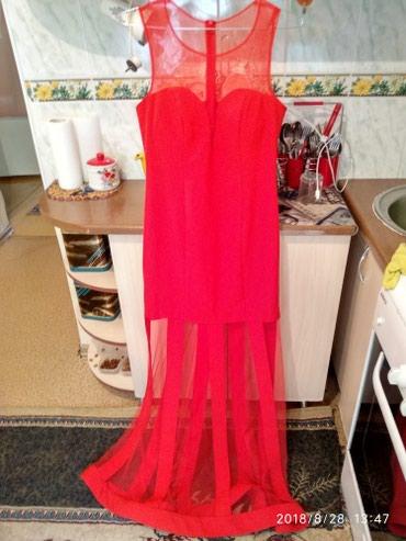 Продаю 2 платье 44-46 размера и меховую желетку песец в Бишкек