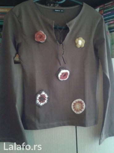 Braon uska majica,sa vunenim cveticima,vel s/m,ocuvana,turska in Novi Sad