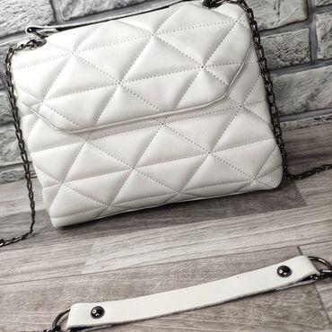 сумка жен в Кыргызстан: Женская сумка высота 21см ширина 28см объем 10см внутри два отсека и