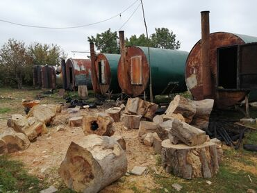 Kömür - Azərbaycan: Hazir kömur istehsalı ilə məşğul olan müəssər satılır. Aylıq gəliri