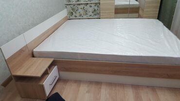 Продается новая кровать часть спальни. гарнитура, вместе с качествен
