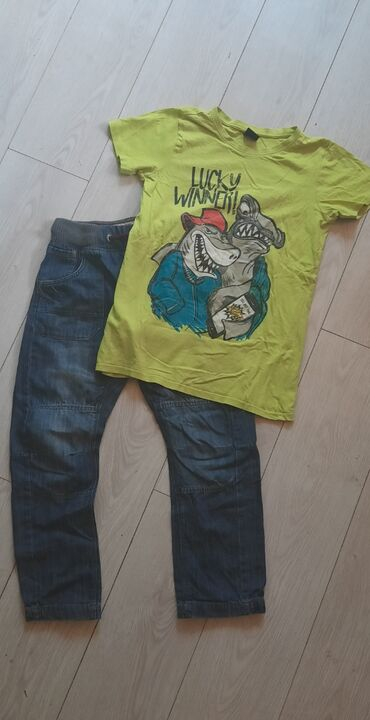 Dečija odeća i obuća | Beograd: Farmerice i majica za decaka vel 12 kao novo