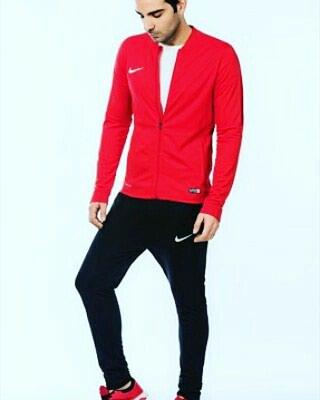 Bakı şəhərində Nike dəst geyimi. Təzə.İshlenmeyib.