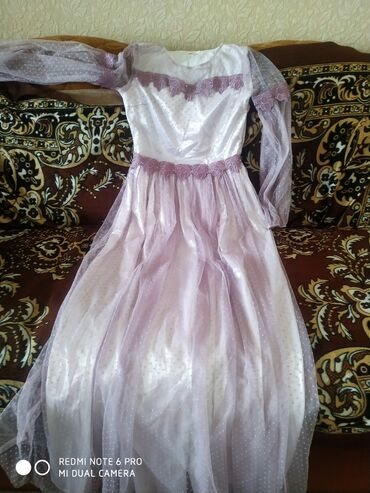 вечернее платье в горошек в Кыргызстан: Продаю платье вечернее брала за 1500 одевала 1 раз реальным клиентом