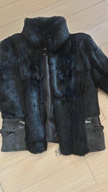PRODATO Bunda prirodno krzno-koza .Crna.Italijanska.Duzina 61cm.Duzina